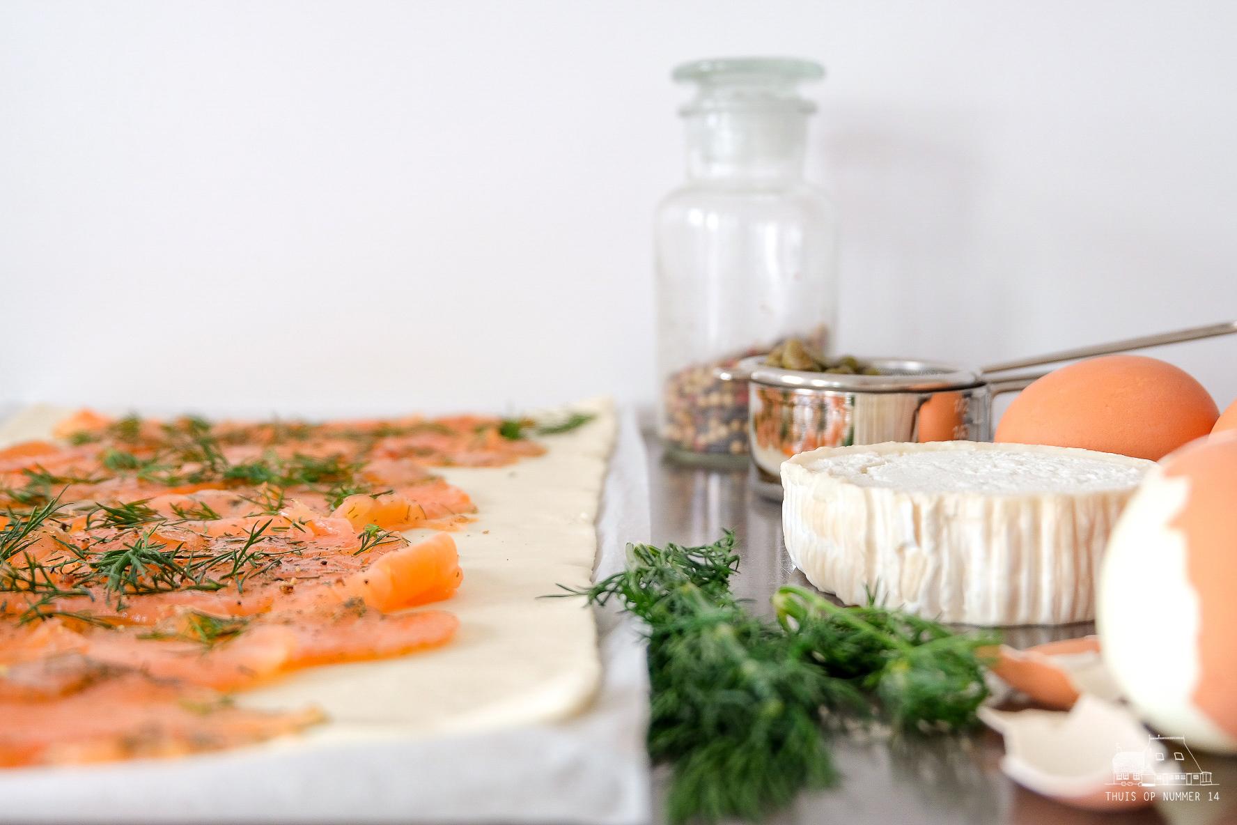 Lentebrood, zalm met ei in bladerdeeg.