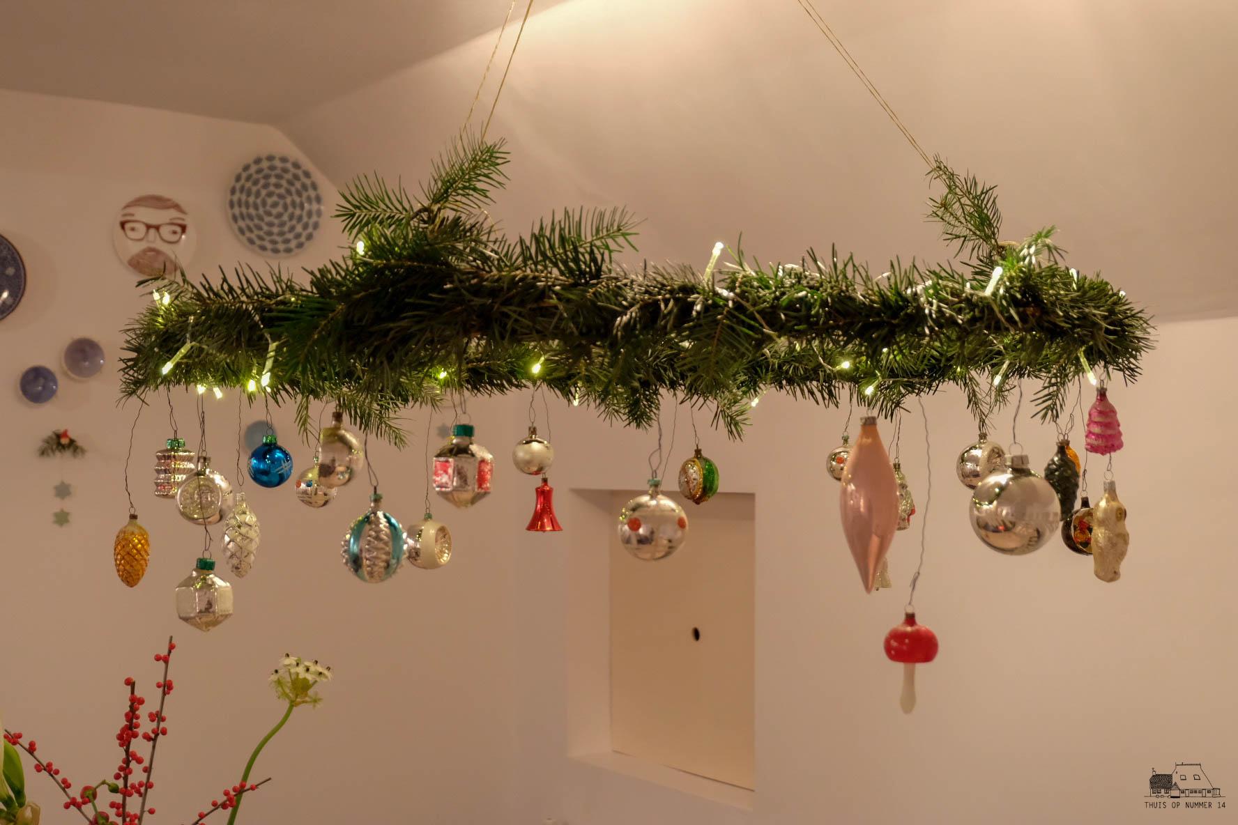 thuis op nummer 14 - kerstkrans