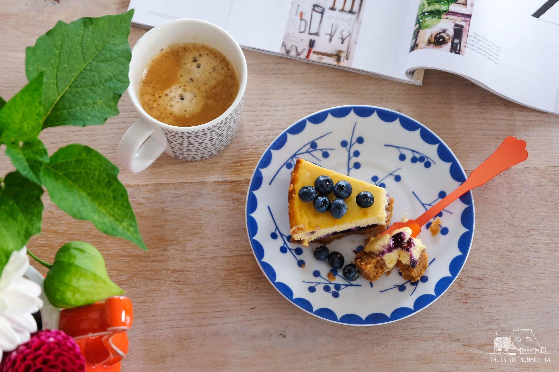 Overheerlijke blauwe-bessencheesecake! Crunchy, romig en fris.